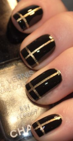 7-26 black & gold mani