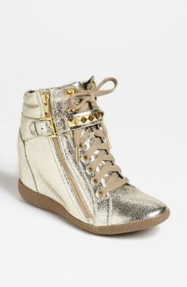 7-26 gold booties